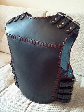 Кожаный байкерский жилет броня